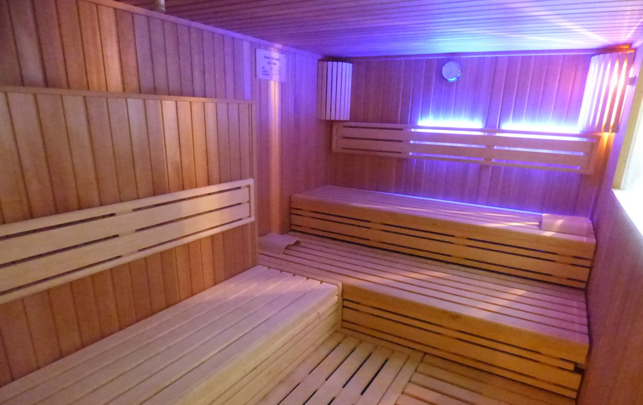 sauna sportpark enger. Black Bedroom Furniture Sets. Home Design Ideas
